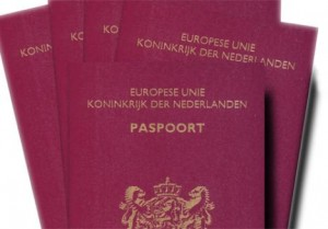 paspoort 300x209 Op vakantie? Let op de geldigheid van je paspoort!