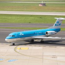 KLM vliegtuig opgestegen vanaf de taxibaan