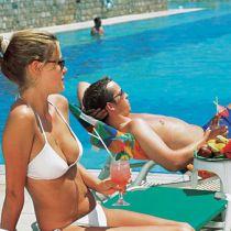 Vrouw beslist over vakantie, man betaalt