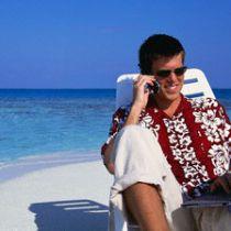 Mannen vaker bereikbaar voor werk tijdens vakantie