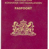 Paspoort voor Nederlanders in buitenland flink duurder