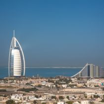 Arke wijzigt vluchtschema Dubai