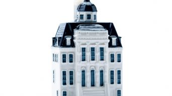 KLM onthult 100ste Delfts Blauwe huisje