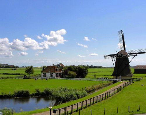 Helft Nederlanders kiest voor vakantie in eigen land