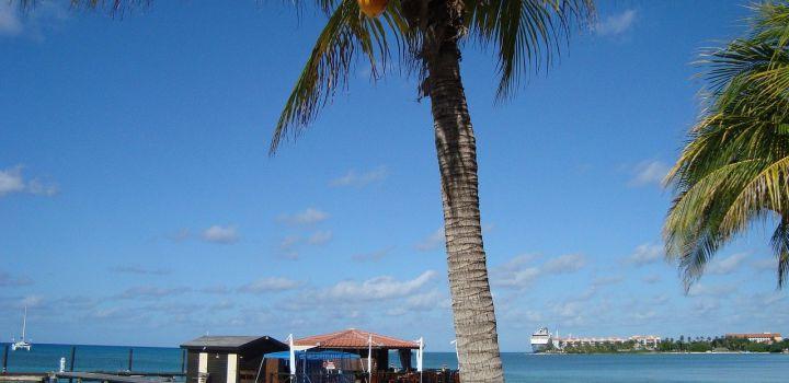 Testverplichting Aruba vervalt voor volledig gevaccineerden
